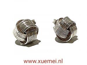 exclusieve zilveren oorknoopjes - 3D knoop - juwelier Delft