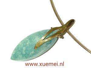 gouden hanger en ketting met blauw amazoniet - uniek - edelsmid Xuemei Dijkstal - one of a kind jewelry