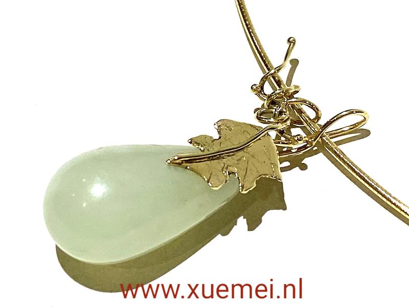 gouden hanger : ketting met jade - uniek - edelsmid Xuemei Dijkstal - handgemaakt - one of a kind juwelry