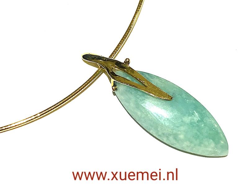 gouden hanger met amazoniet - blauw edelsteen - uniek - handgemaakt - edelsmid Xuemei Dijkstal