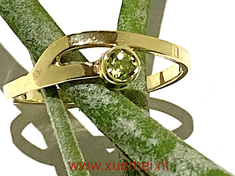 verlovingsring - groen steen - uniek - edelsmid Xuemei Dijkstal