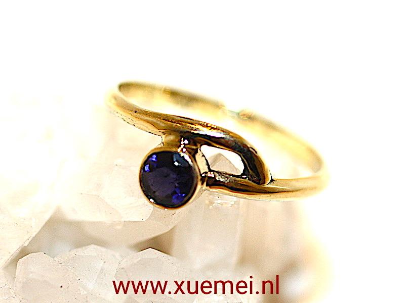 """Gouden ring met saffier """"Connected"""""""