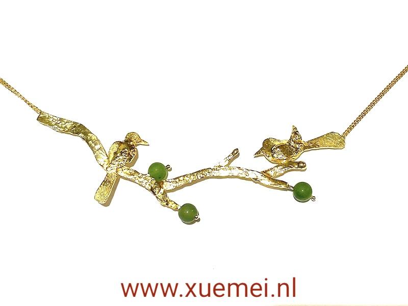gouden collier met vogels taken en jade - edelsmid Xuemei Dijkstal - uniek