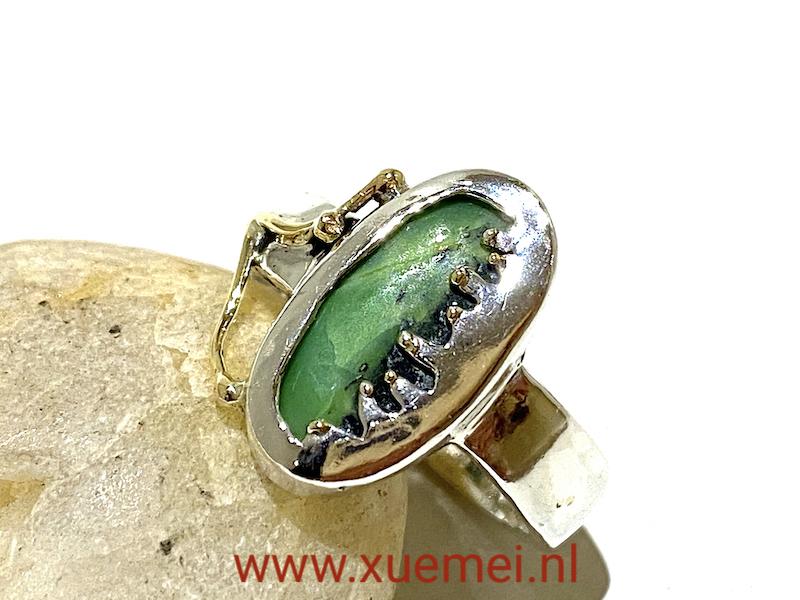 zilveren gouden ring chrysopraas - groene steen - uniek - edelsmid Xuemei Dijkstal