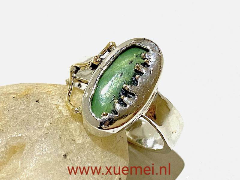 zilveren gouden ring met groene edelsteen chrysopraas - uniek - edelsmid Xuemei Dijkstal