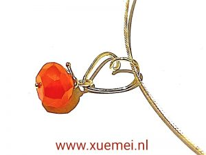 gouden hanger hart - rode oranje steen - carneool - edelsmid Xuemei Dijkstal
