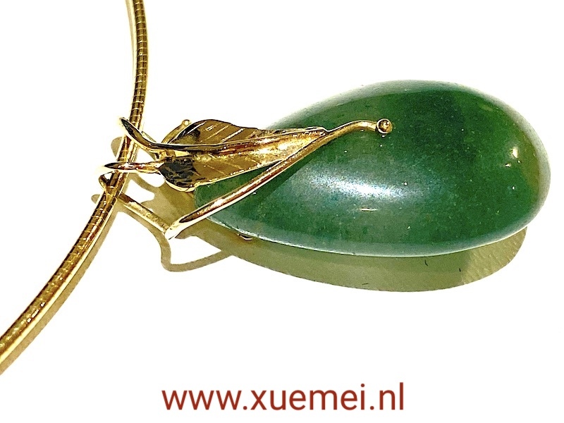 gouden hanger met aventurijn en ketting - blaadje - goudsmid Xuemei Dijkstal