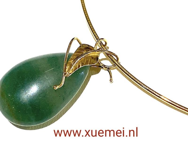 gouden ketting:hanger met aventurijn - groene steen - blaadje - goudsmid Xuemei Dijkstal