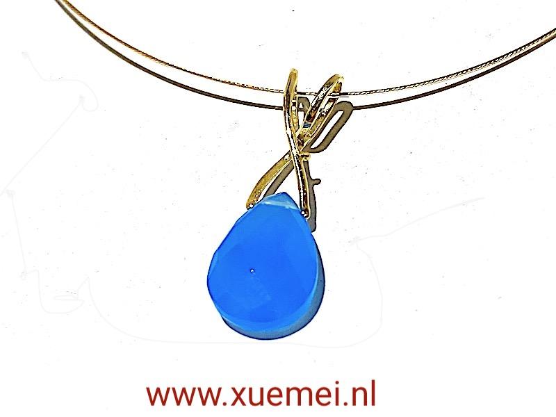 gouden hanger met blauwe steen - agaat - goudsmid Xuemei Dijkstal - endless