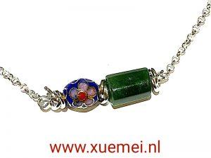 zilveren collier met groene edelsteen - nefriet jade - bloem - edelsmid Xuemei Dijkstal