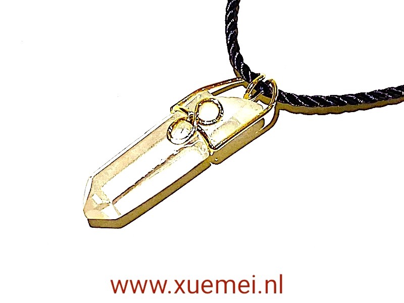 gouden hamger met bergkristal handgemaakt - edelsmid Xuemei Dijkstal