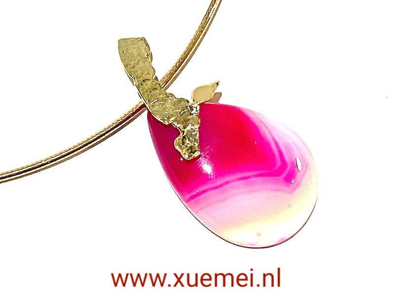 gouden ketting met edelsteen - roze agaat - boom - uniek - edelsmid Xuemei Dijkstal