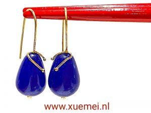 gouden oorbellen met edelsteen - blauwe agaat - handgemaakt - goudsmid Xuemei Dijkstal