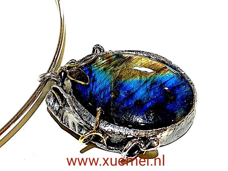 zilveren ketting hanger met labradoriet - edelsteen - handgemaakt - edelsmid Xuemei Dijkstal